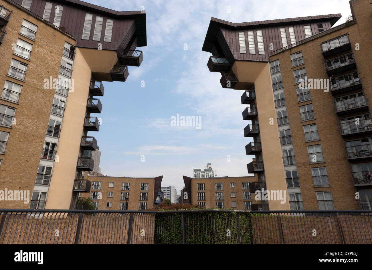 View of the Waterman Building, Millennium Harbour, Westferry Road E14 - Stock Image