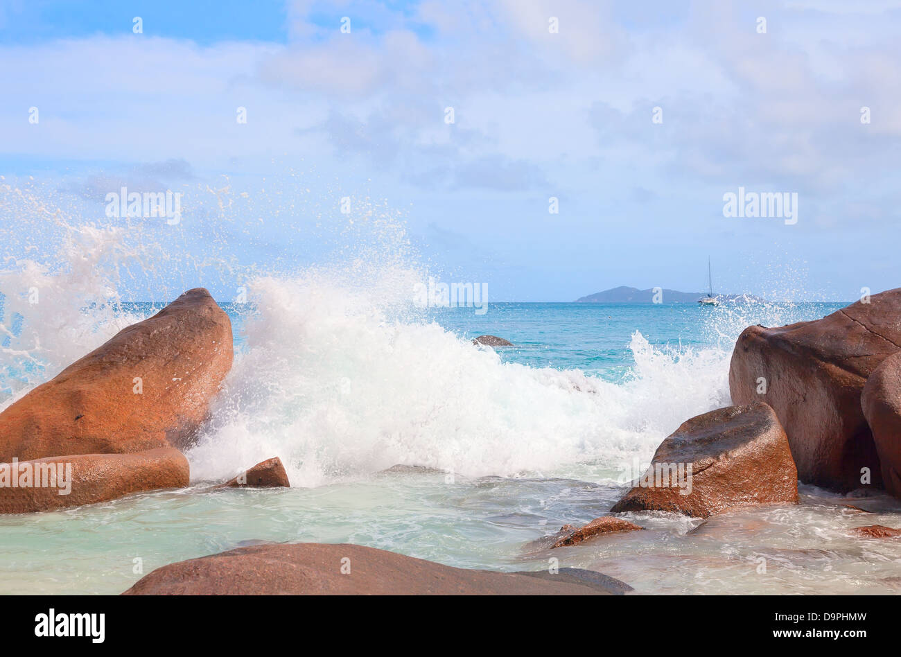 Waves in the Indian Ocean on the shores of Seychelles - Stock Image