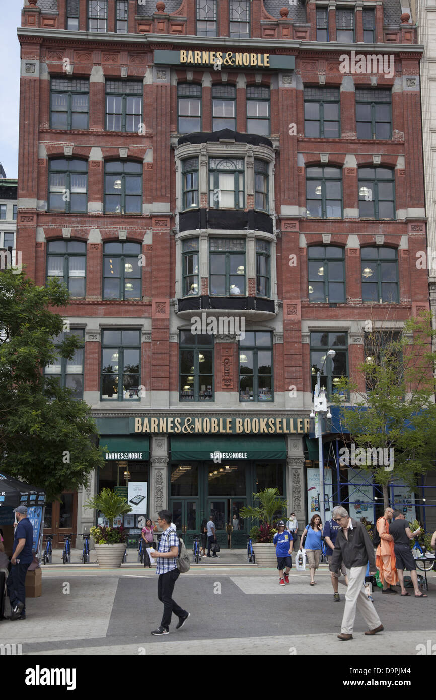 Barnes & Noble Booksellers on 17th St. at Union Square in Manhattan, NYC. - Stock Image
