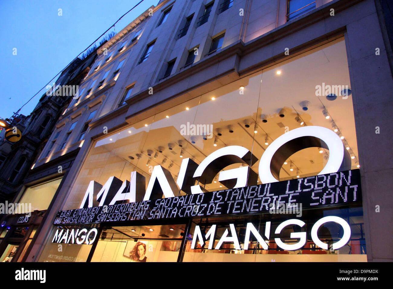 Mango fashion clothing store in Istanbul, Turkey Stock Photo