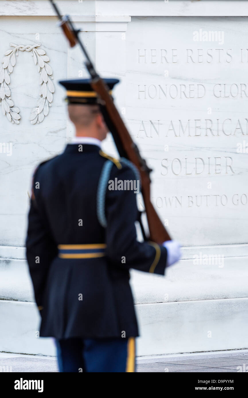 Guarded Tomb of the Unknown Soldier, Arlington Cemetery, Virginia, USA - Stock Image