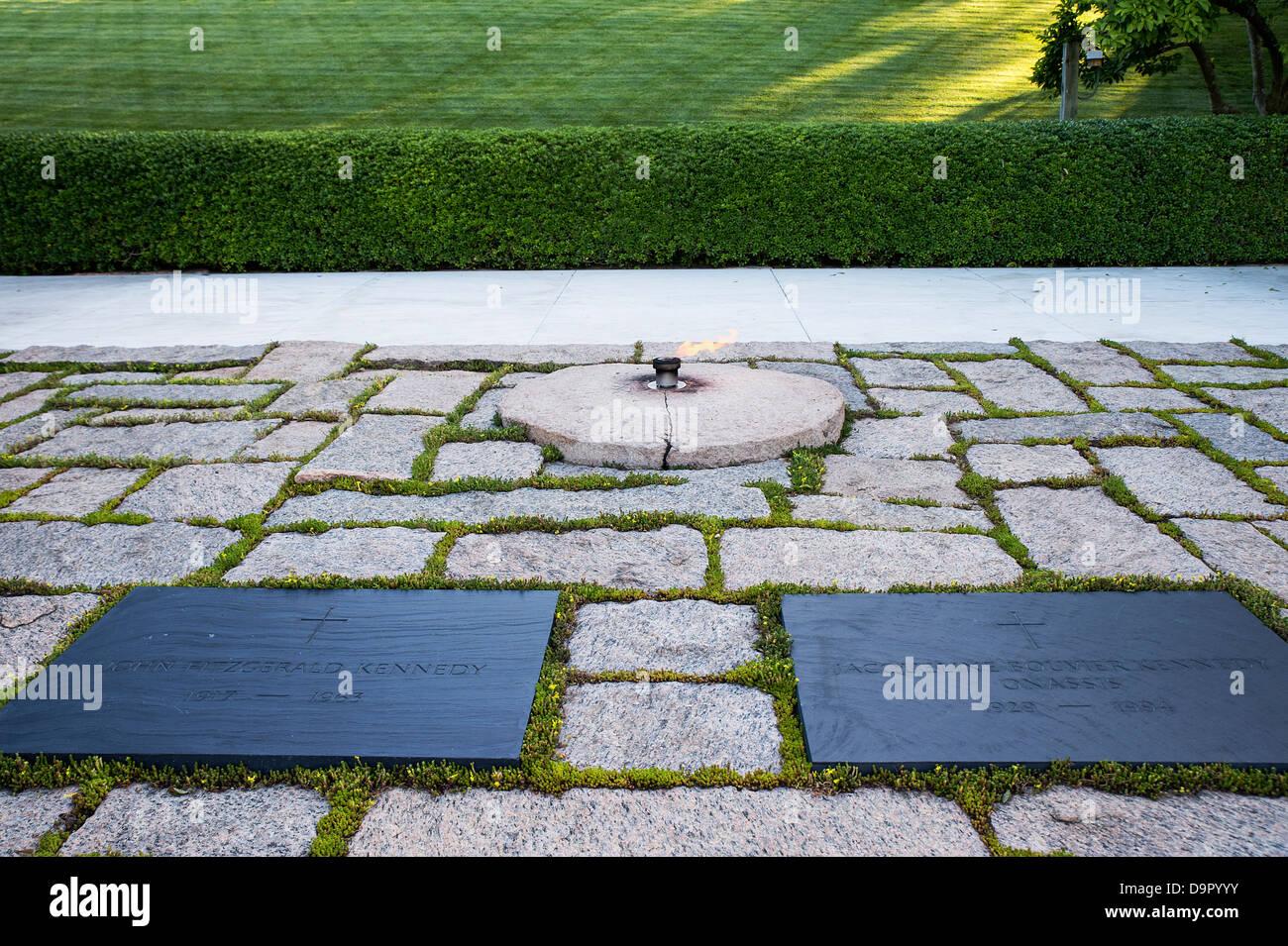 John F Kennedy Grave, Arlington Cemetery, Virginia, USA - Stock Image