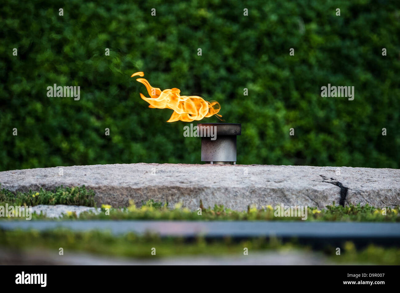 John F Kennedy Grave and Eternal Flame, Arlington Cemetery, Virginia, USA - Stock Image