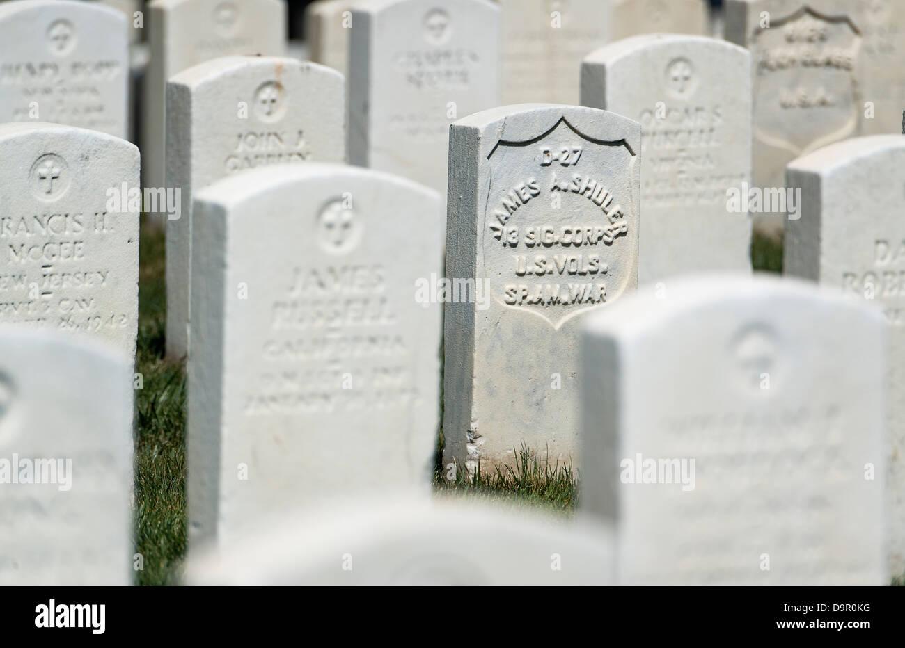 Grave, Arlington Cemetery, Virginia, USA - Stock Image