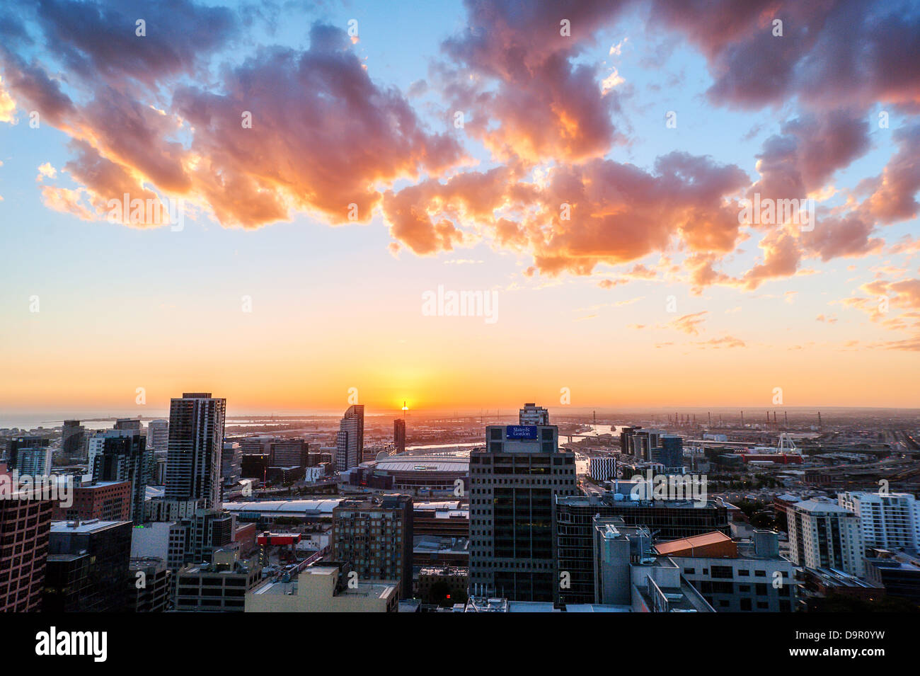 A burning sunset ends a hot day in Melbourne, the capital of the Australian state of Victoria. - Stock Image