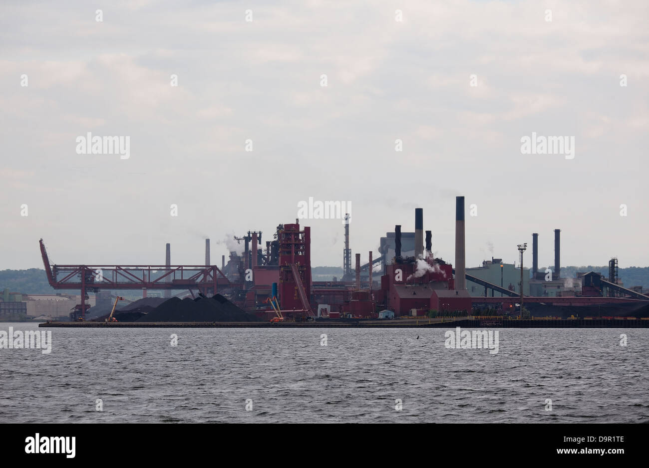 Heavy industry along Hamilton's waterfront on a hazy afternoon, Hamilton, Ontario, Canada. - Stock Image