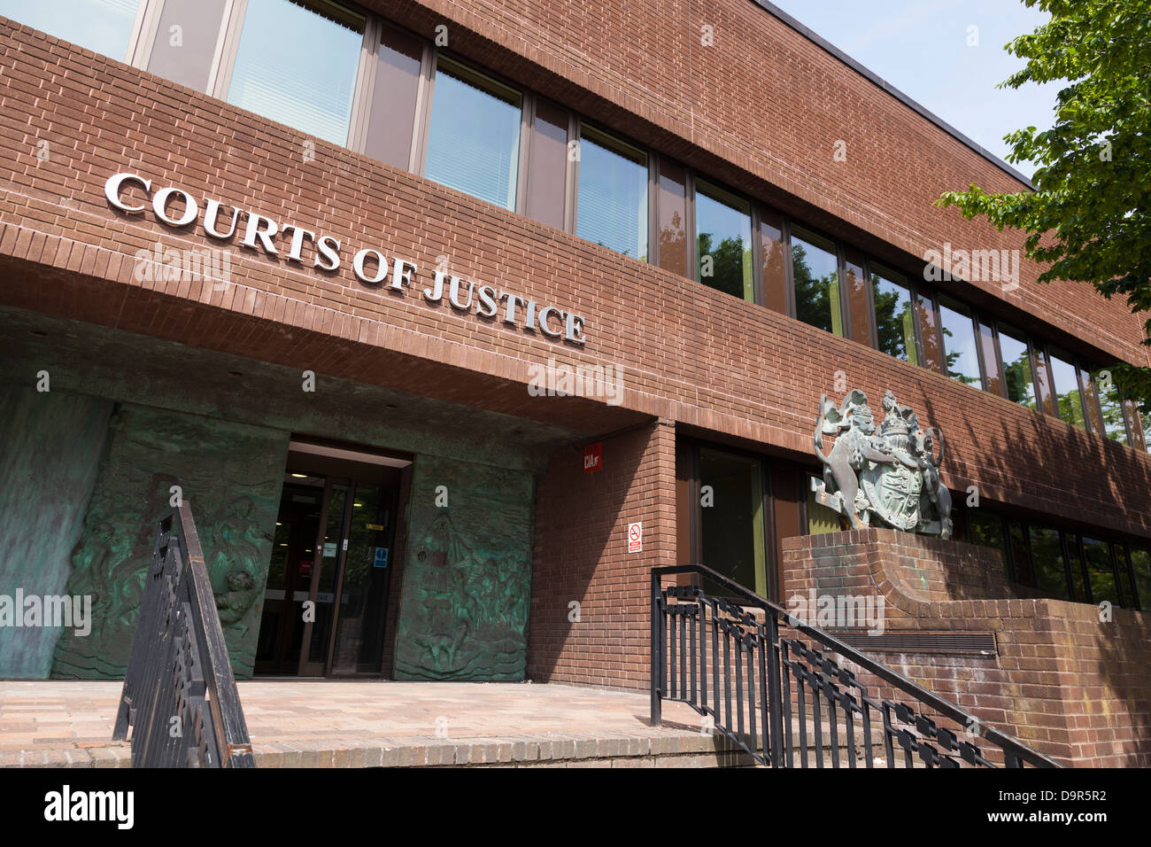 Exterior of Pourtsmouth Crown Court - Stock Image