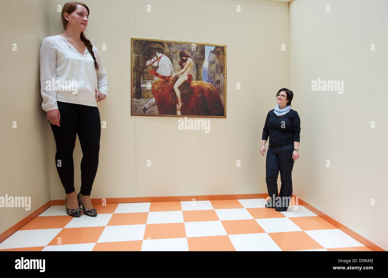 Ames Room Stock Photos & Ames Room Stock Images - Alamy