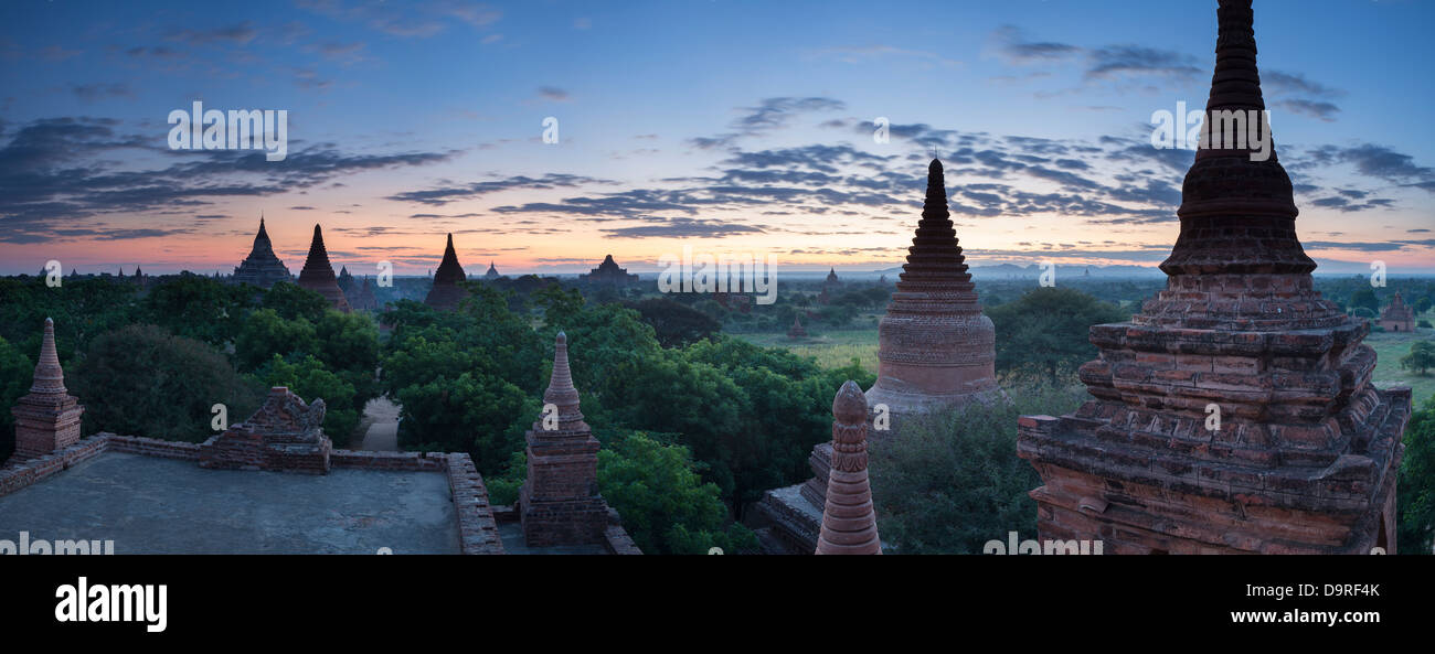 the temples of Bagan at dawn, Myanmar (Burma) - Stock Image