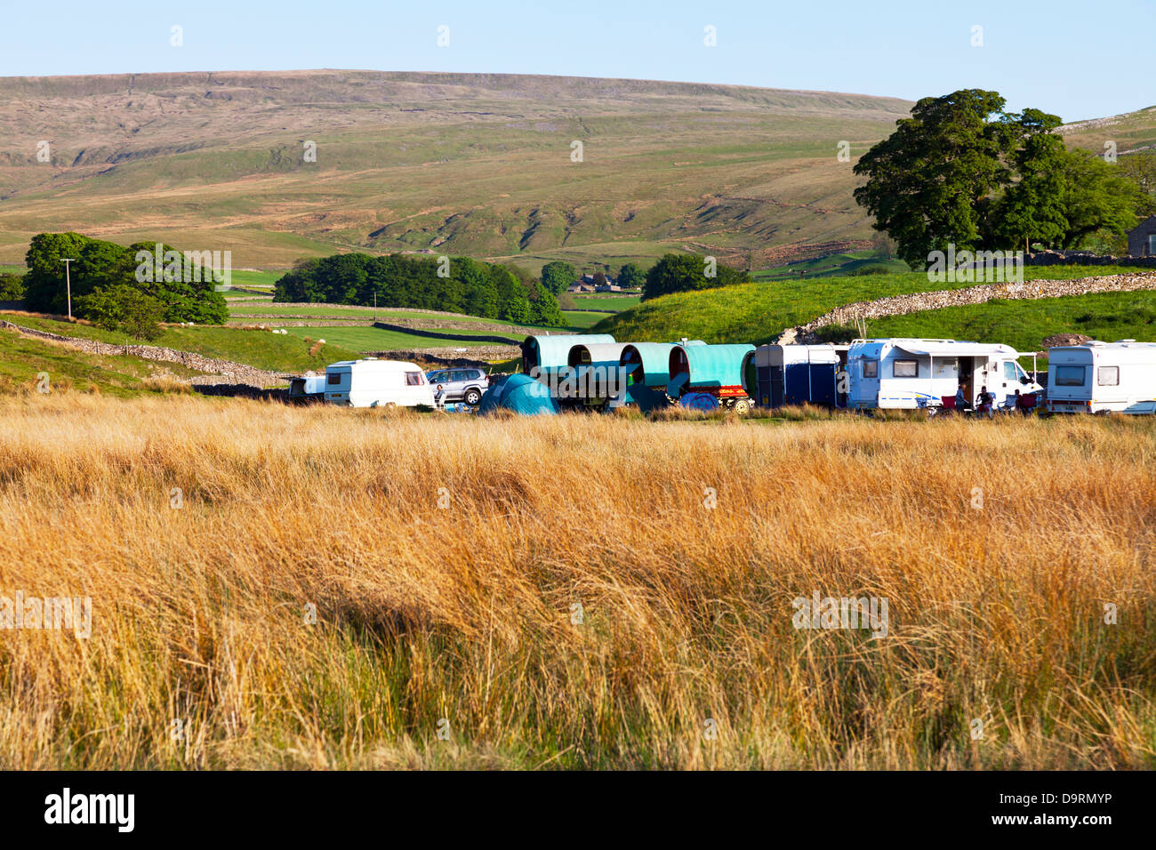 Gypsies camped in field near Appleby, Cumbria, Lake District national park, UK, England - Stock Image