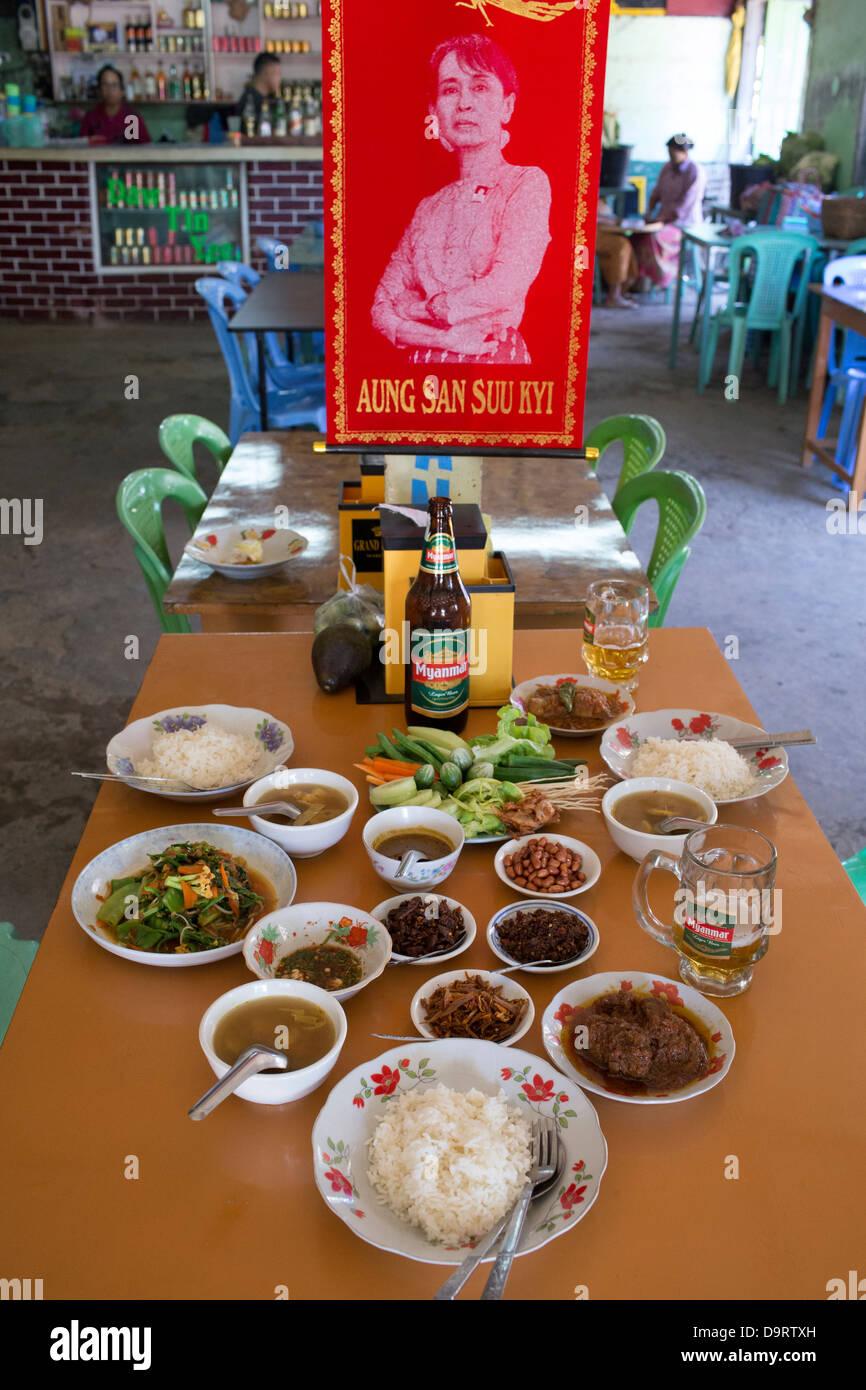 lunch, Nyaungshwe, Inle Lake, Myanmar, Burma Stock Photo
