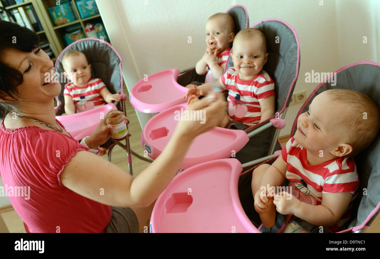 The One And A Half Year Old Identical Quadruplets Laura Jasmin Kim