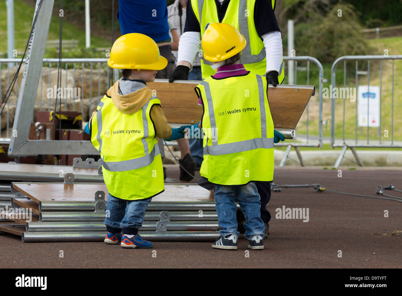 Children helping to build bridge at Institute of Civil Engineers stand at Riveting Stuff festival at the Tees Barrage, - Stock Image