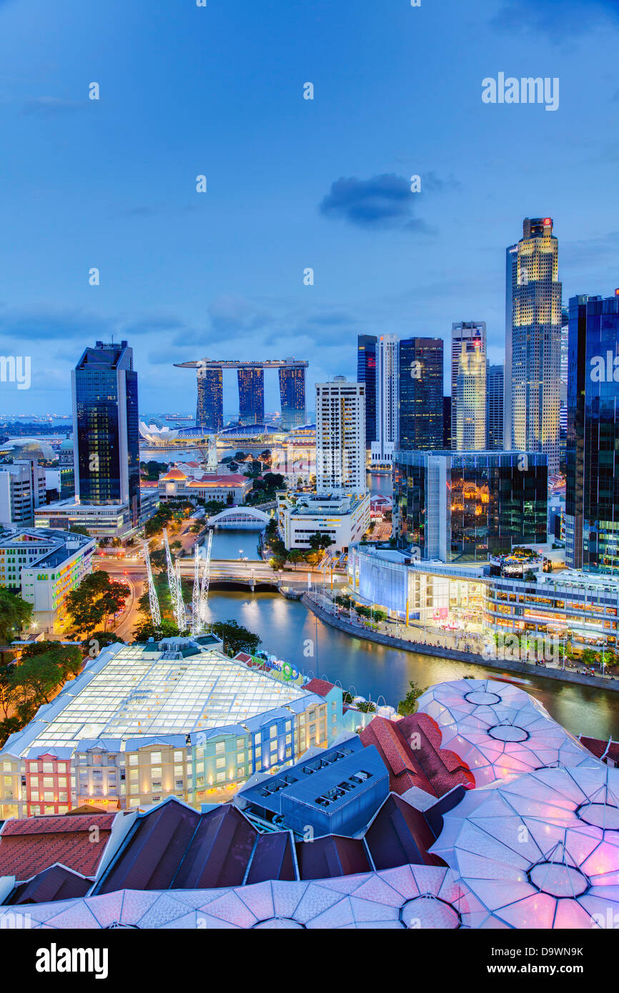 Southeast Asia, Singapore, Elevated view over the Entertainment district of Clarke Quay, the Singapore river and - Stock Image