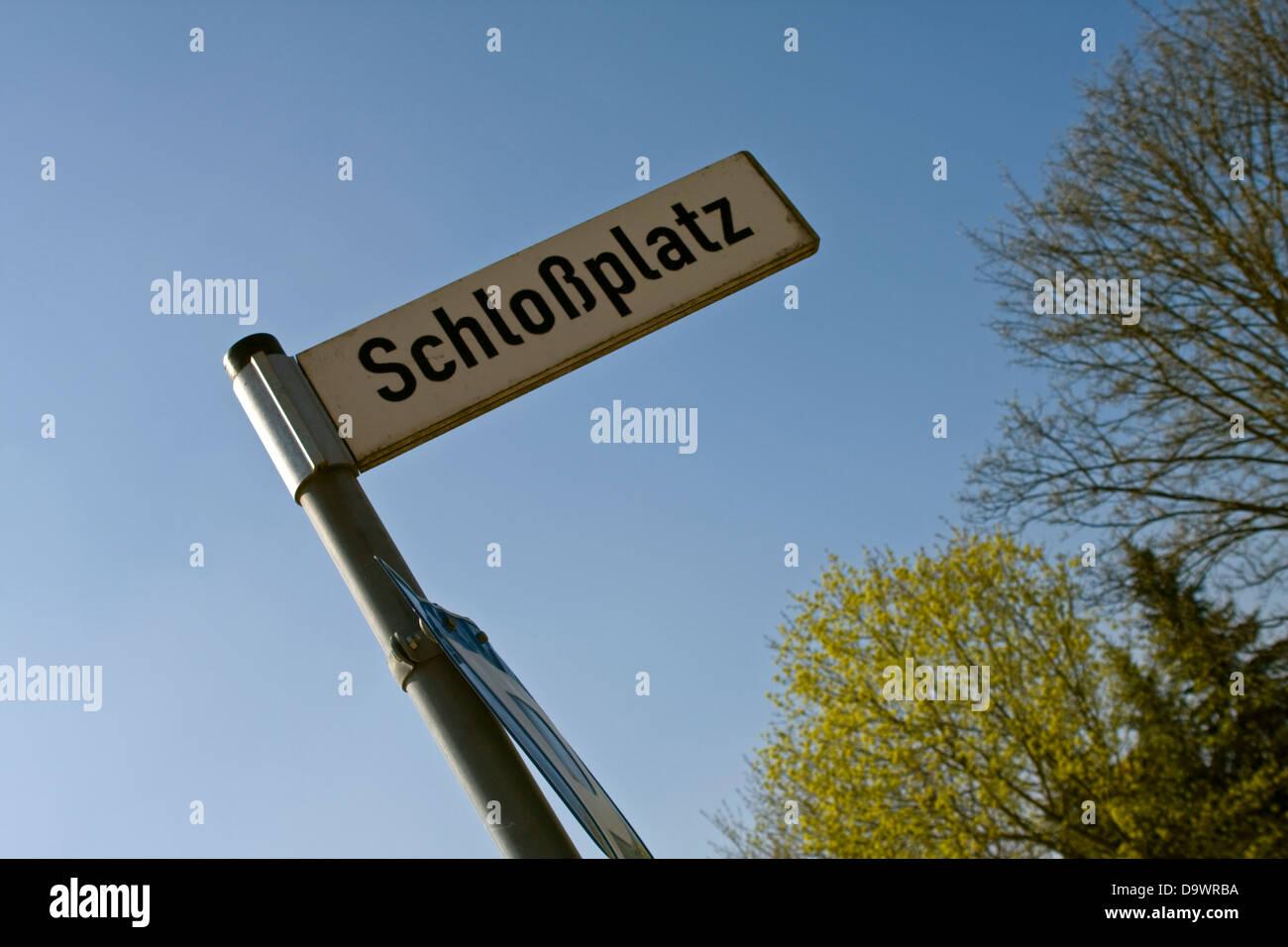 Europe,Germany,Mecklenburg-Vorpommern, Hohenzieritz,Street sign in Hohenzieritz Schloßplatz - Stock Image
