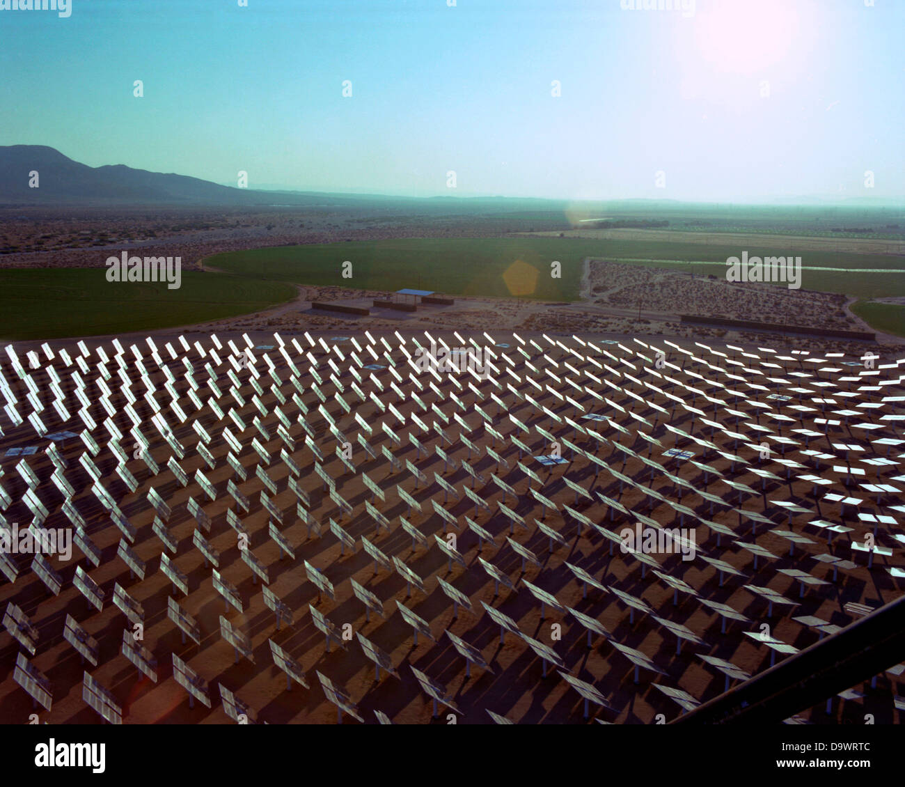 Field of sun tracking mirrors at the Solar Two experimental energy project in the Mojave Desert June 1, 1996 near - Stock Image