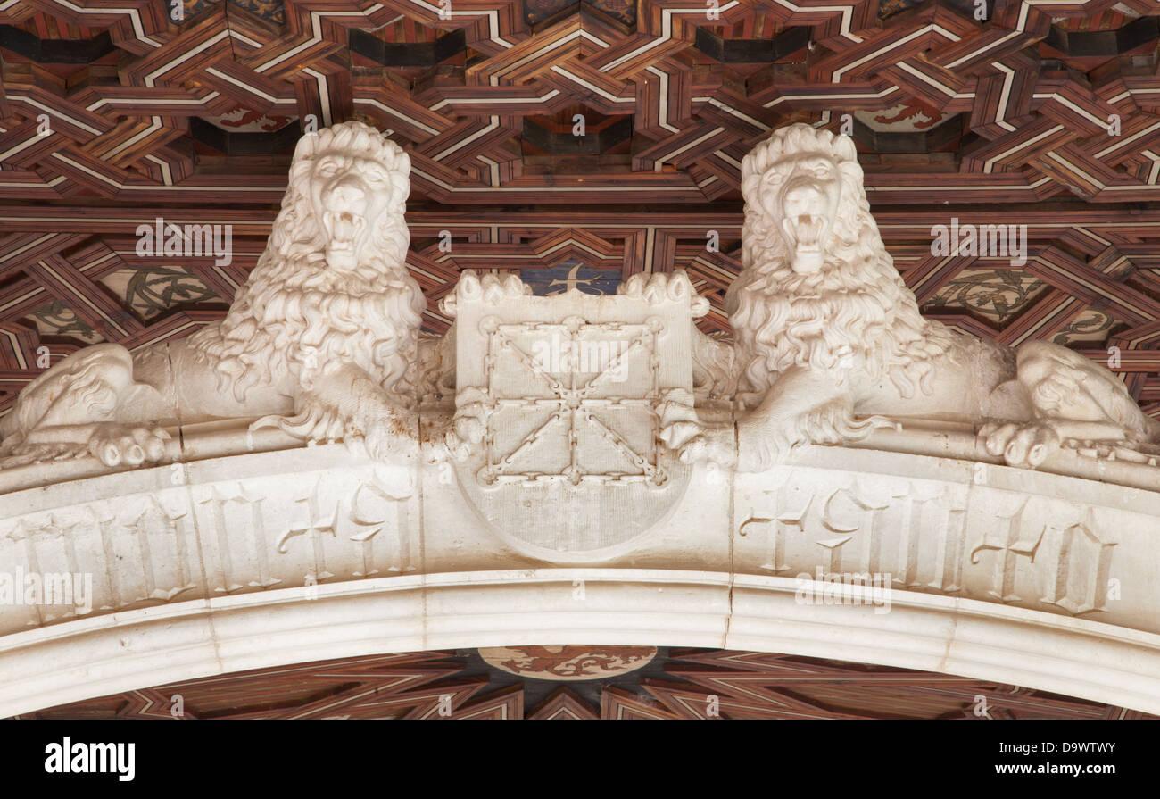 TOLEDO - MARCH 8: Lions statues atrium of Monasterio San Juan de los Reyes - Stock Image