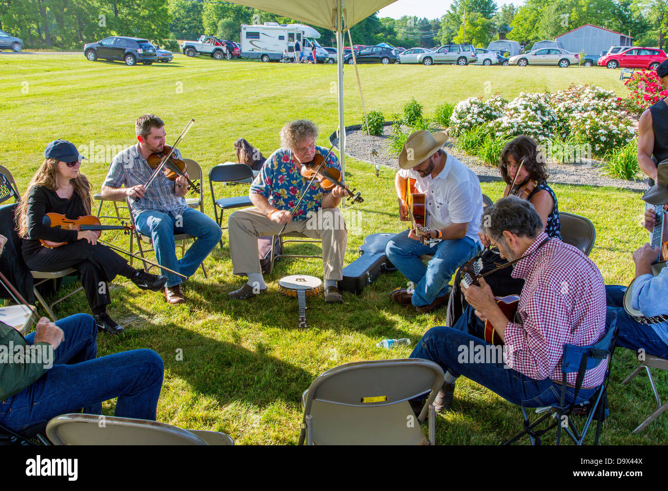 Jam tent at Old Time Fiddlers Gathering at Lakewood Vineyards on Seneca lake in the Finger Lakes region of New York - Stock Image