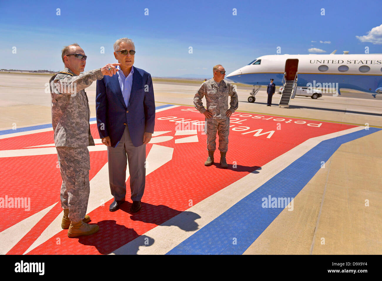 Colorado Springs, CO. USA. June 27, 2013. US Secretary of Defense Chuck Hagel is greeted by the Commander USNORTHCOM - Stock Image