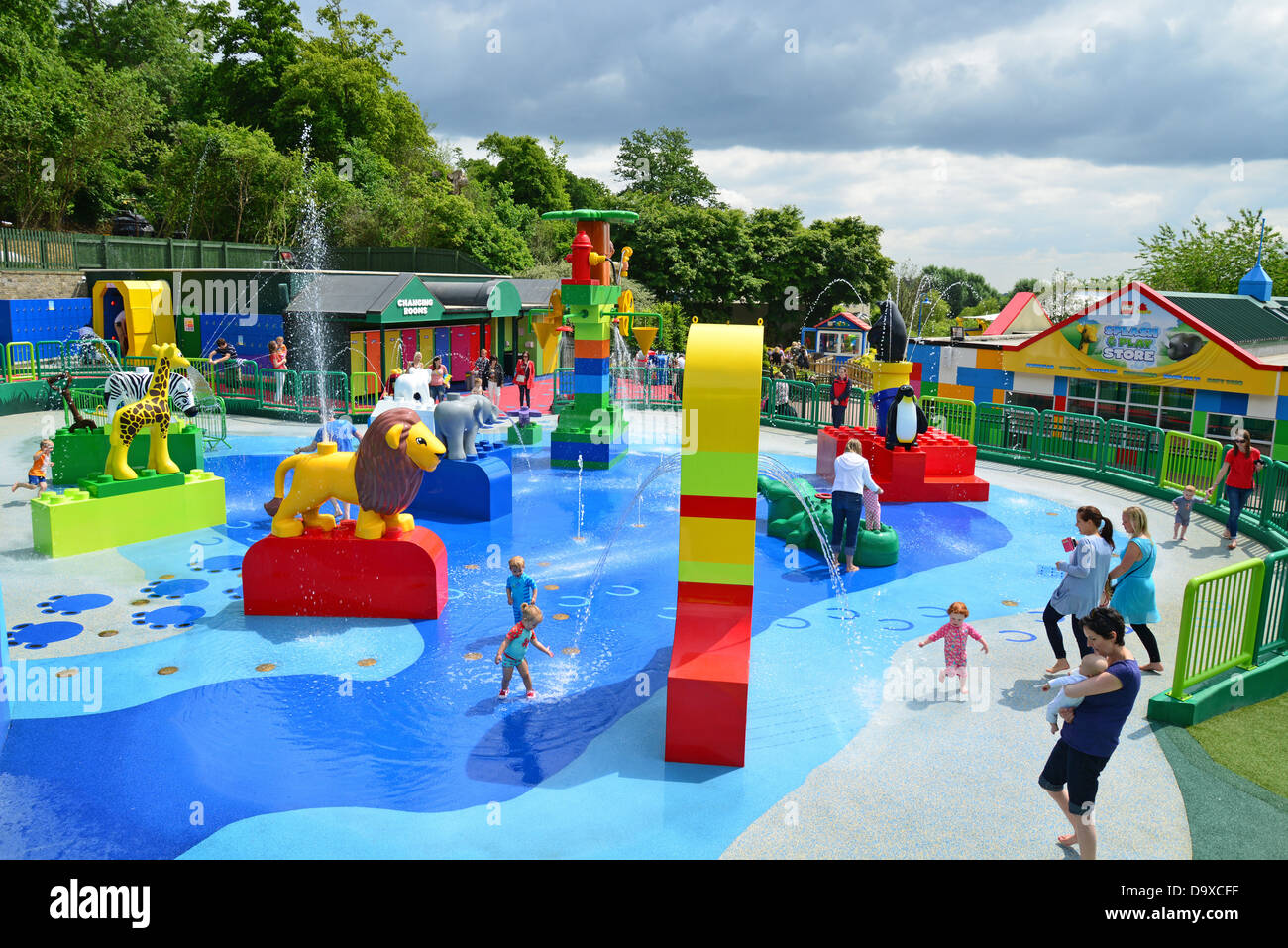Duplo valley splash play attraction at legoland windsor resort stock photo 57743603 alamy for Hotels near legoland with swimming pool