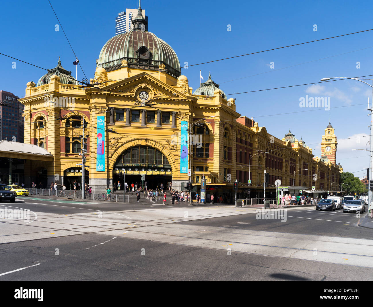 flinders street station crowd stock photos flinders. Black Bedroom Furniture Sets. Home Design Ideas