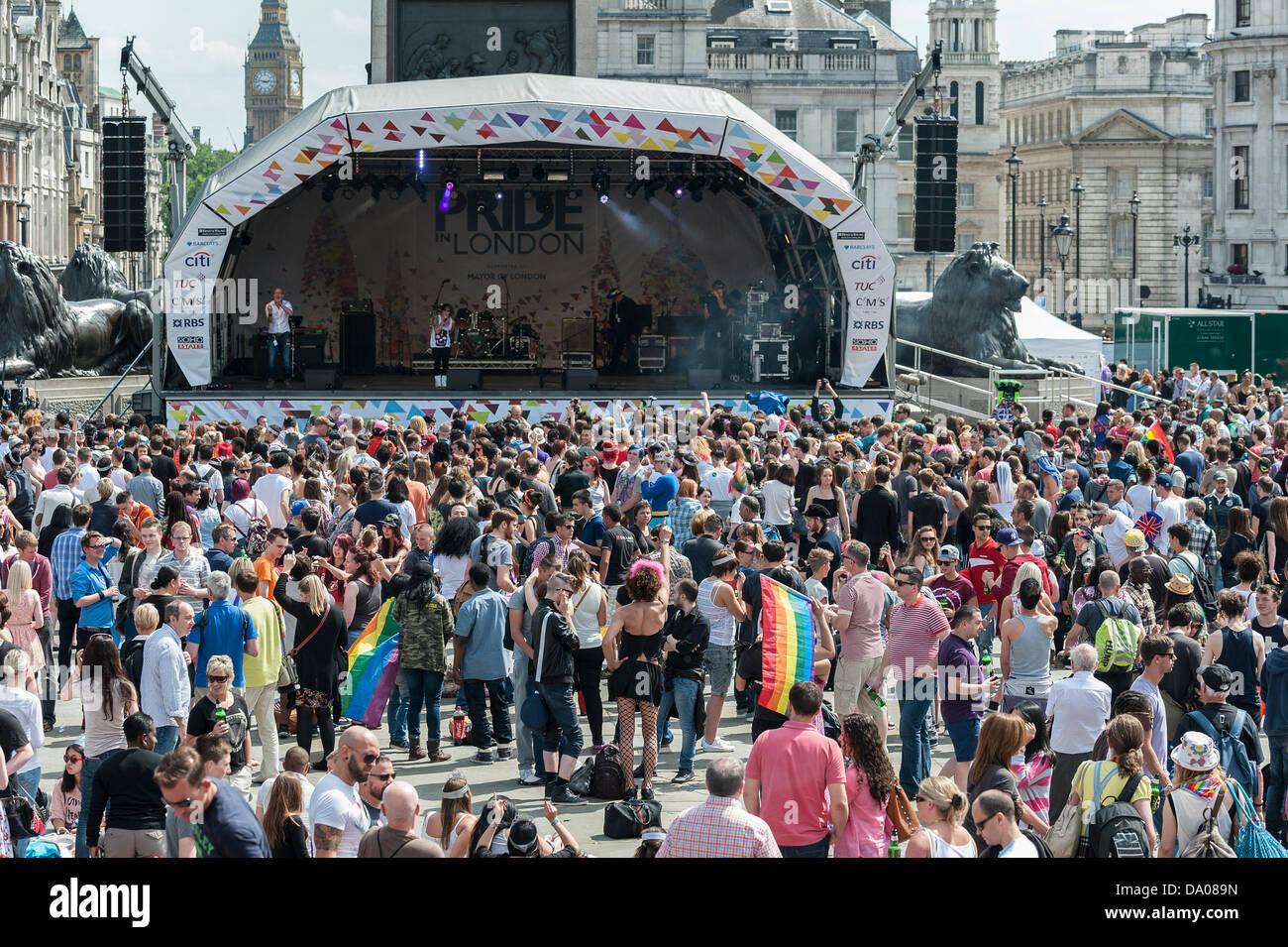 London, UK. 29th June 2013.  Crowds gathering in Trafalgar Square to celebrate London Pride.  Photographer:  Gordon - Stock Image