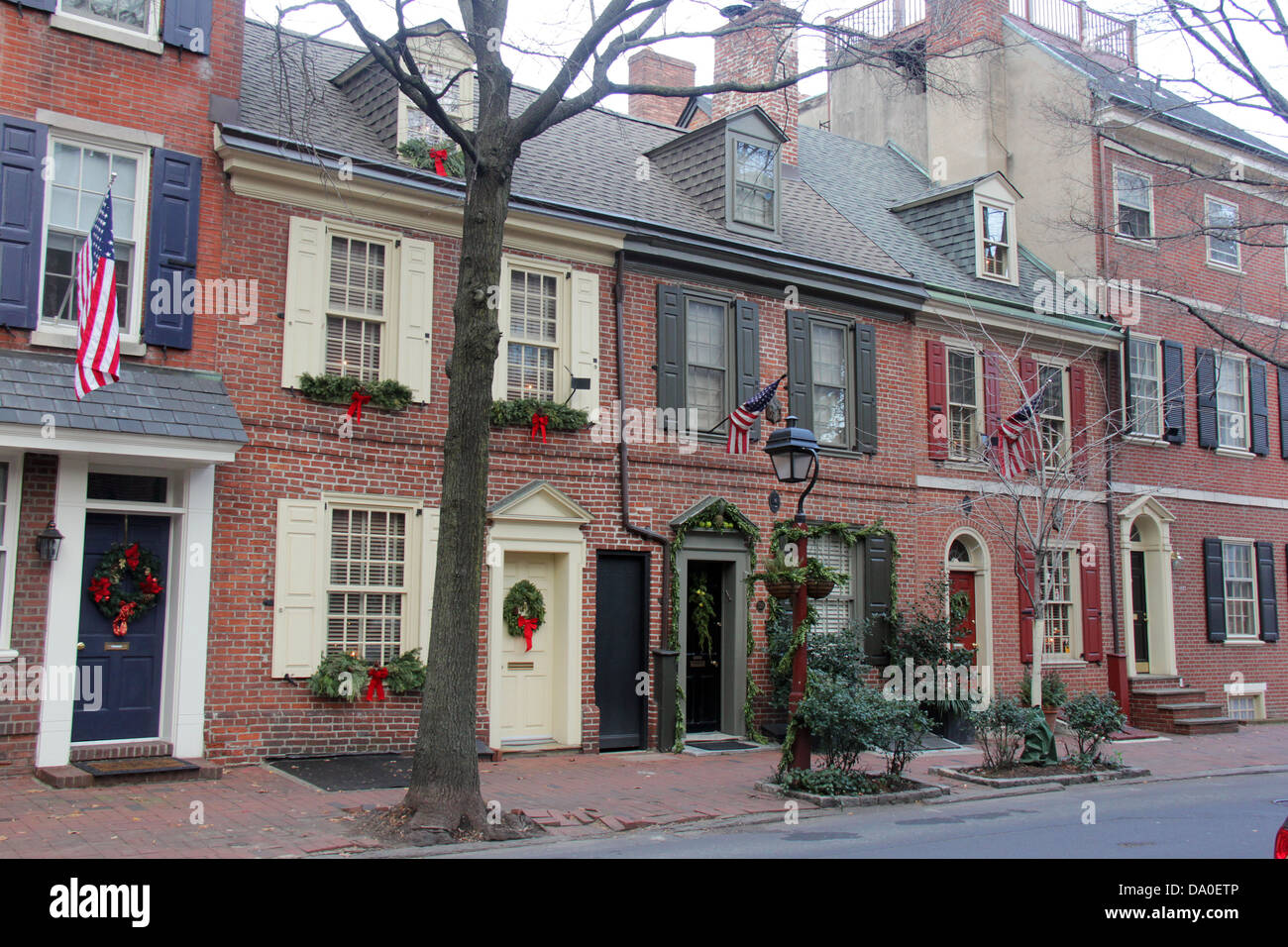 colonial houses in philadelphia pennsylvania with christmas decorations