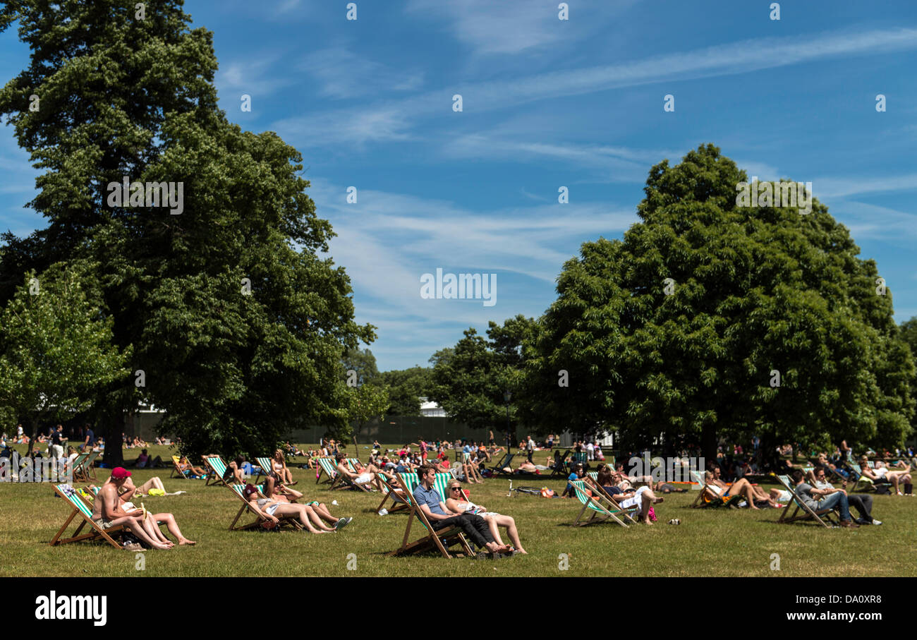 hyde park divorced singles New hyde park new york, i enjoy anything to do with water whether it's swimming, jet skis,fishing or boating i've been shooting pool lately they say practic makes perfect you be the judge.