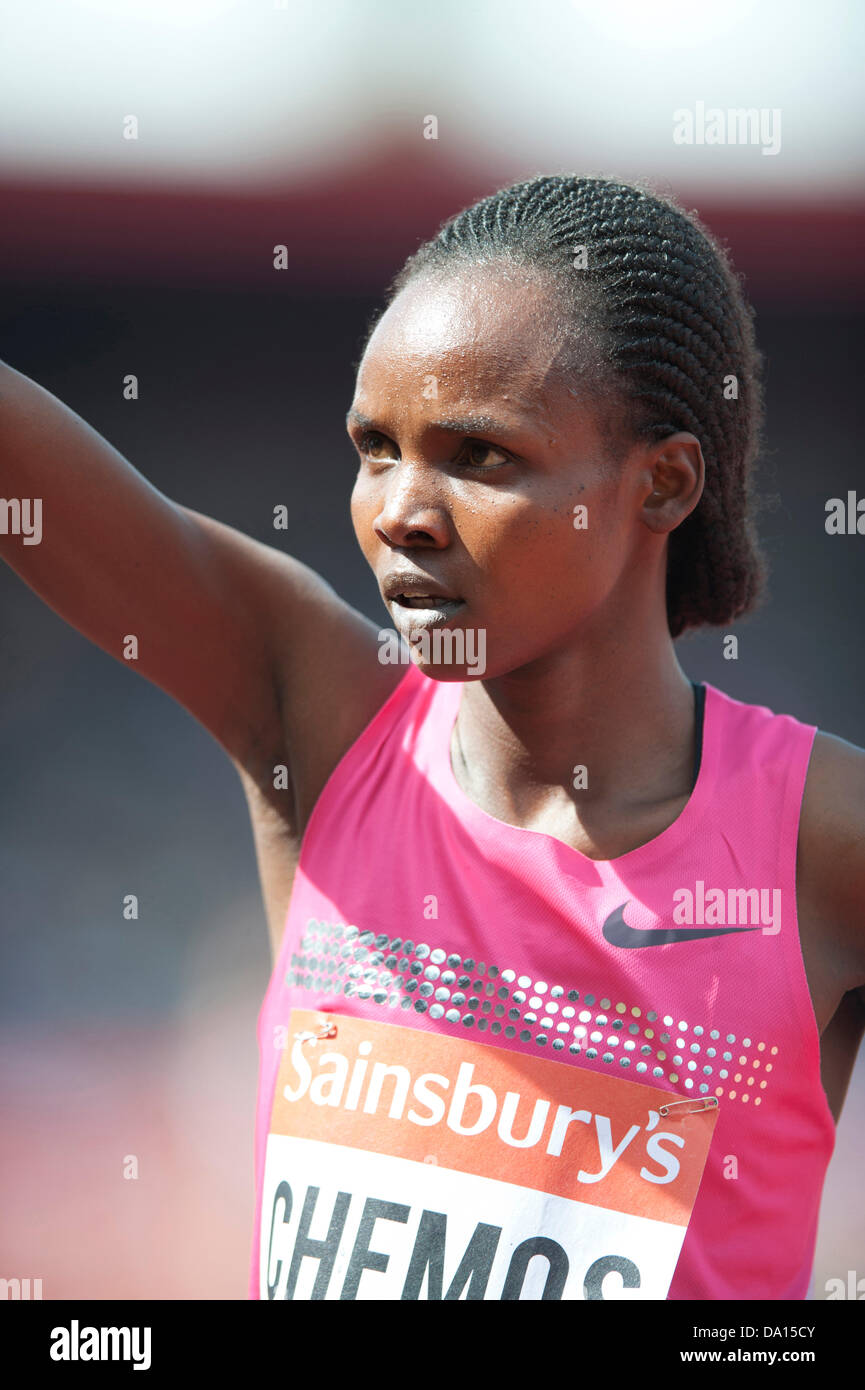 Birmingham, UK. 30th June 2013. Milcah Chemos of Kenya finishes acknowledges the crowd after winning the women's - Stock Image