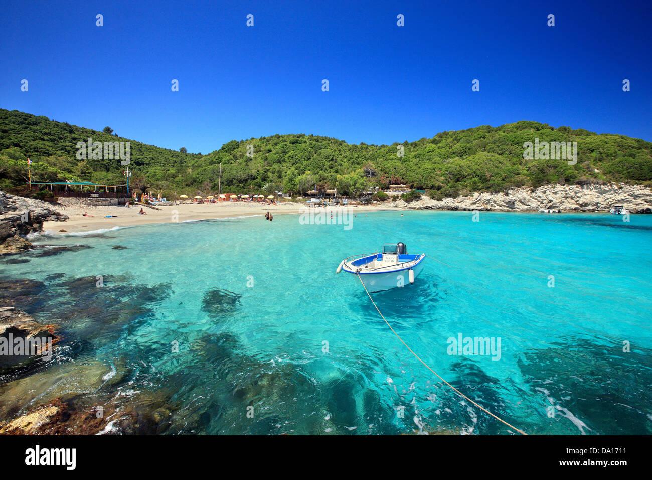 The exotic Vrika beach, Antipaxos ('Antipaxi') island, Ionian Sea, Eptanisa ('Seven Islands'), Greece. - Stock Image