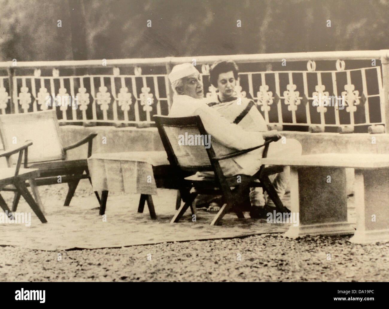 Jawaharlal nehru and Indira Gandhi at Dehradun, May 26, 1964 - Stock Image
