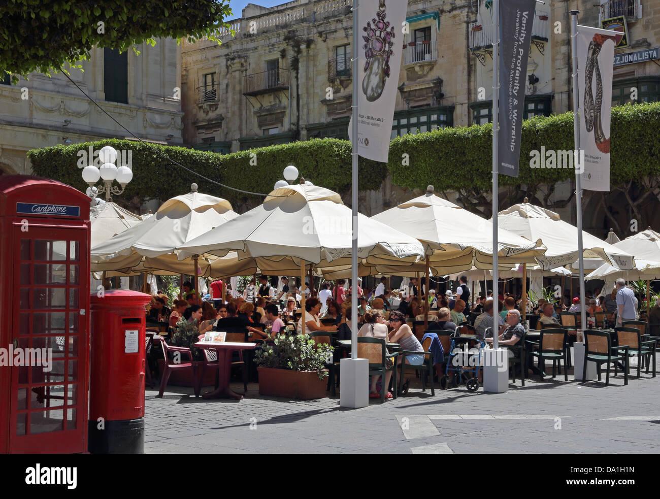 CAFE CORDINA,ST.JOHN'S SQUARE,VALLETTA,MALTA - Stock Image