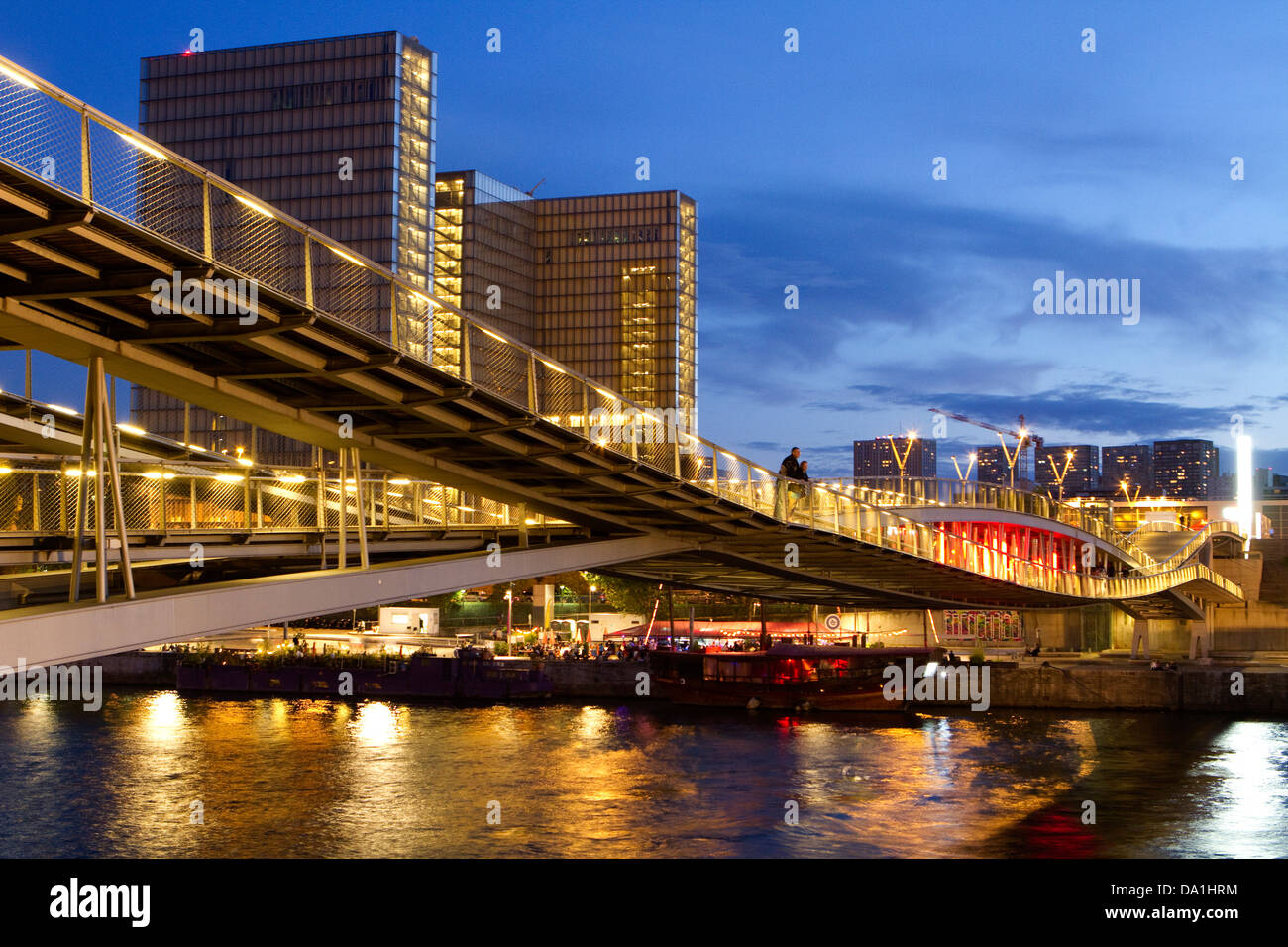 The Passerelle Simone-de-Beauvoir along the Seine river, built in 2006  and linking to 12th and 13th arrondissements - Stock Image