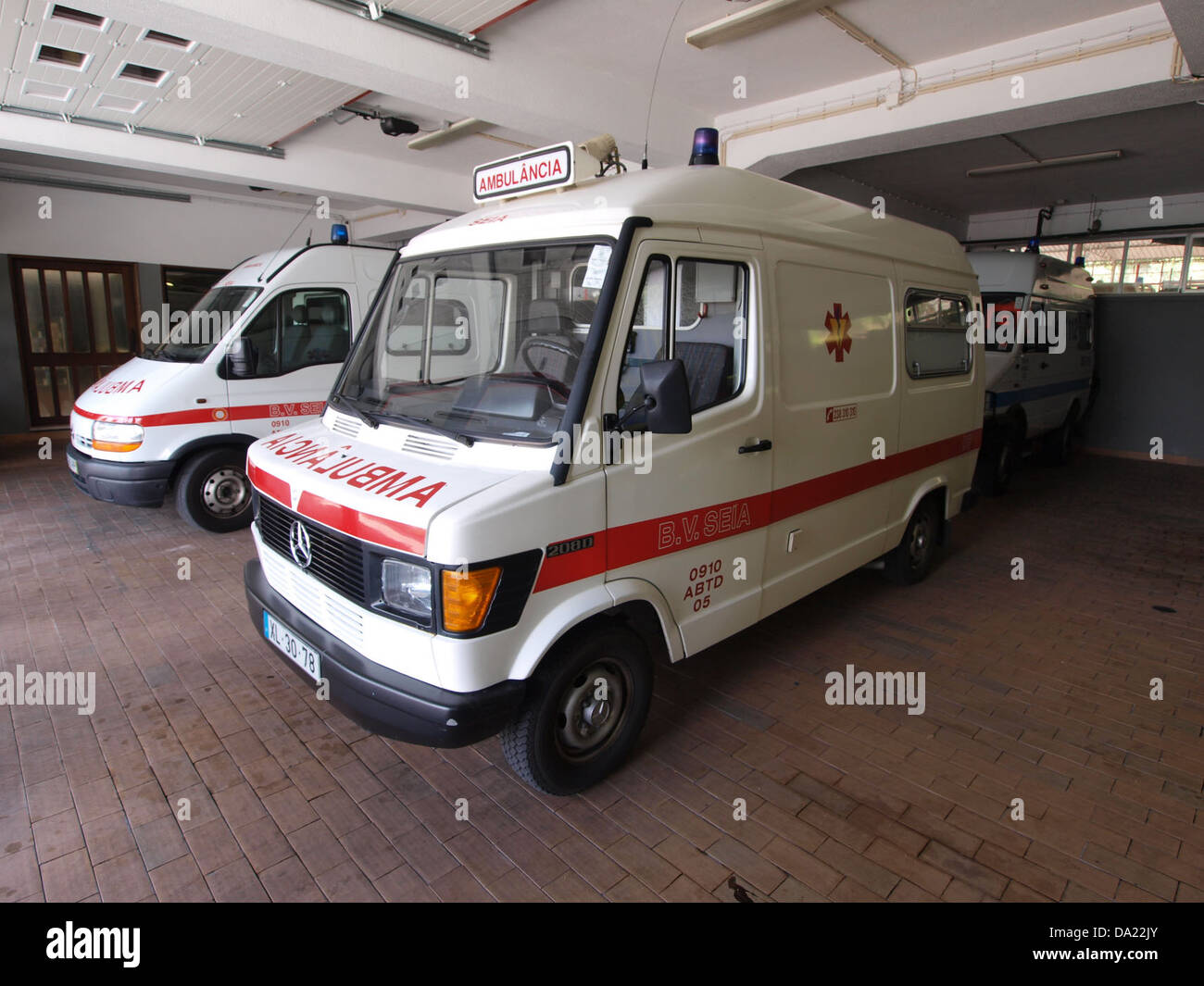 Mercedes ambulance, Bombeiros Seia, Unit 0910 ABTD 0 - Stock Image