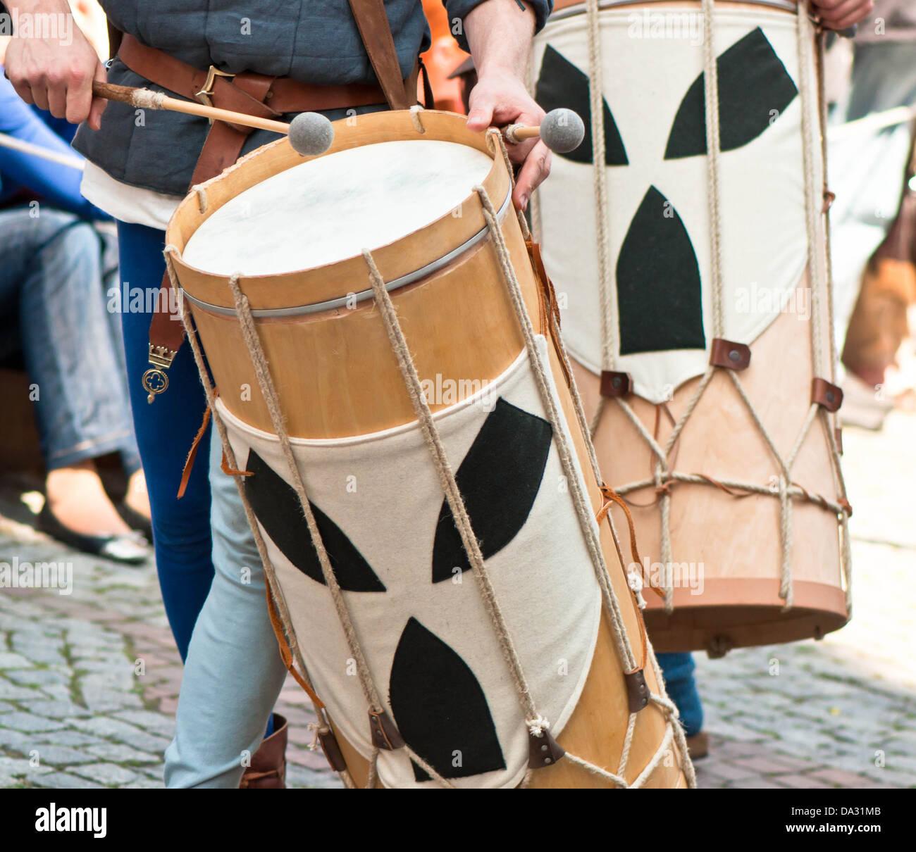 Universität, Becken, Unterhaltungseinlage zur Halbzeit, Musikinstrument, Marschieren, Musiker, Paraden, Menschen, - Stock Image