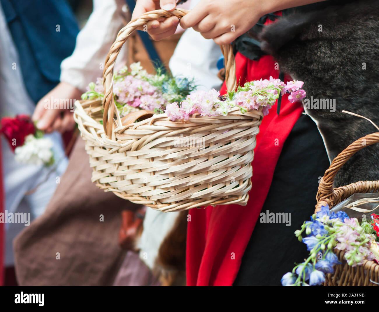 Koerbchen, Peddigrohr, Gelb, Feier, Blütenblatt, Geschenk, Liebe, Rosa, Pflanze, colormix, Blüte, Lila, - Stock Image