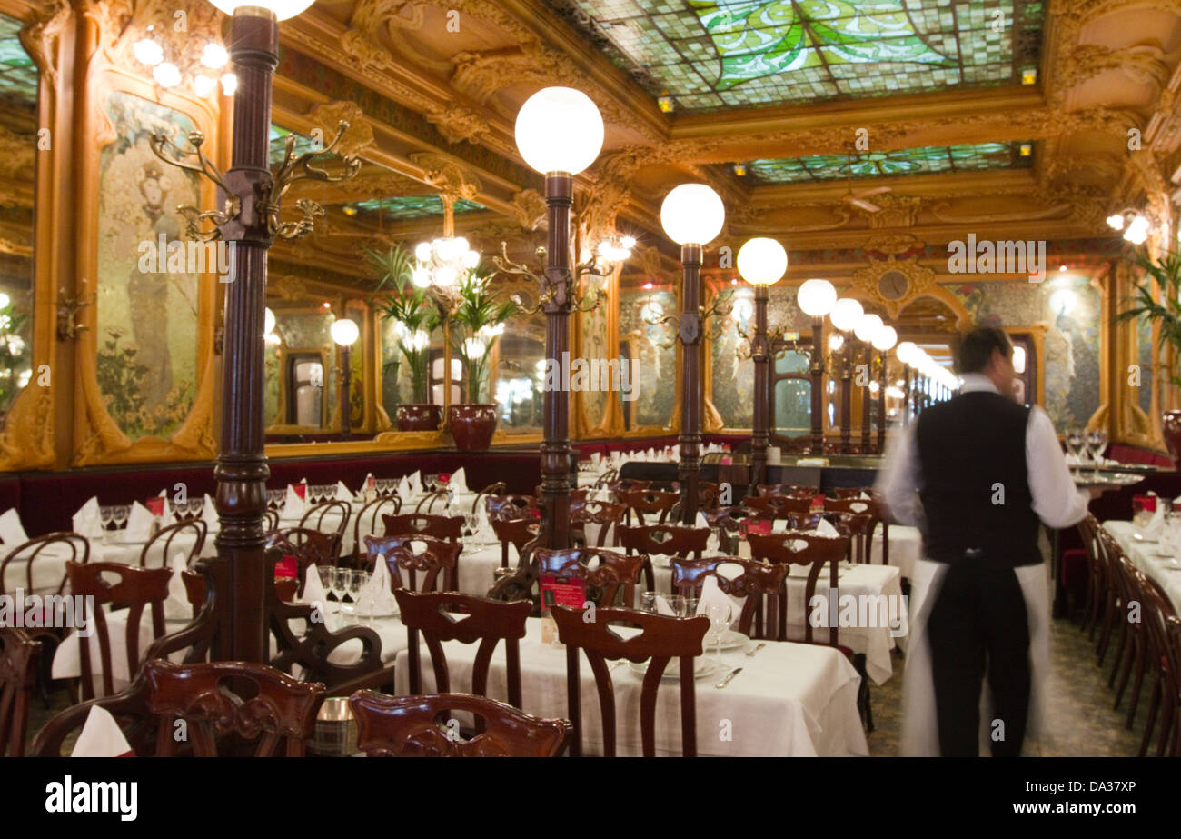 Art Nouveau style Brasserie Julien part of Flo group, founded in 1903 listed as National Monument, Paris France - Stock Image
