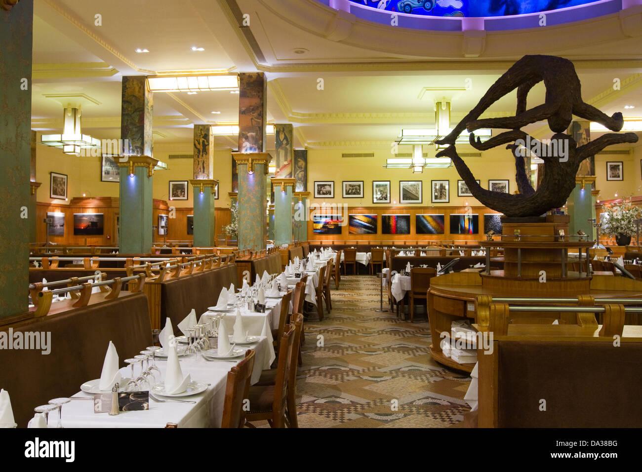 Art deco style la coupole restaurant in montparnasse paris france