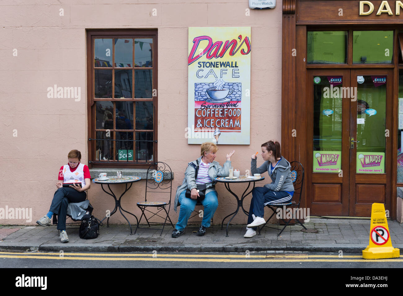 Pavement cafe, Carlingford, County Louth, Ireland. Stock Photo