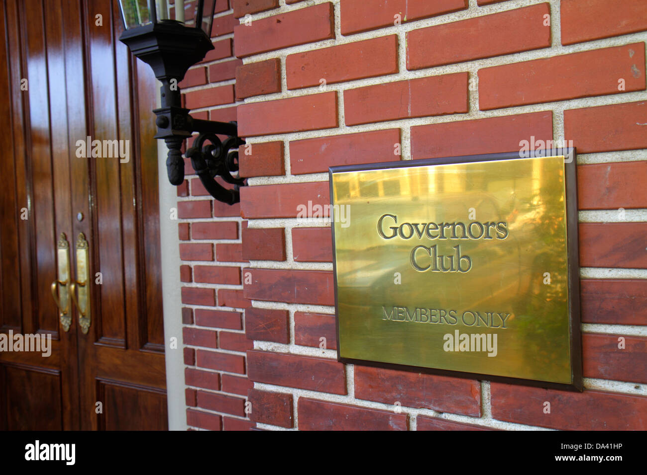 Tallahassee Florida sign Governors Club members only sign entrance - Stock Image