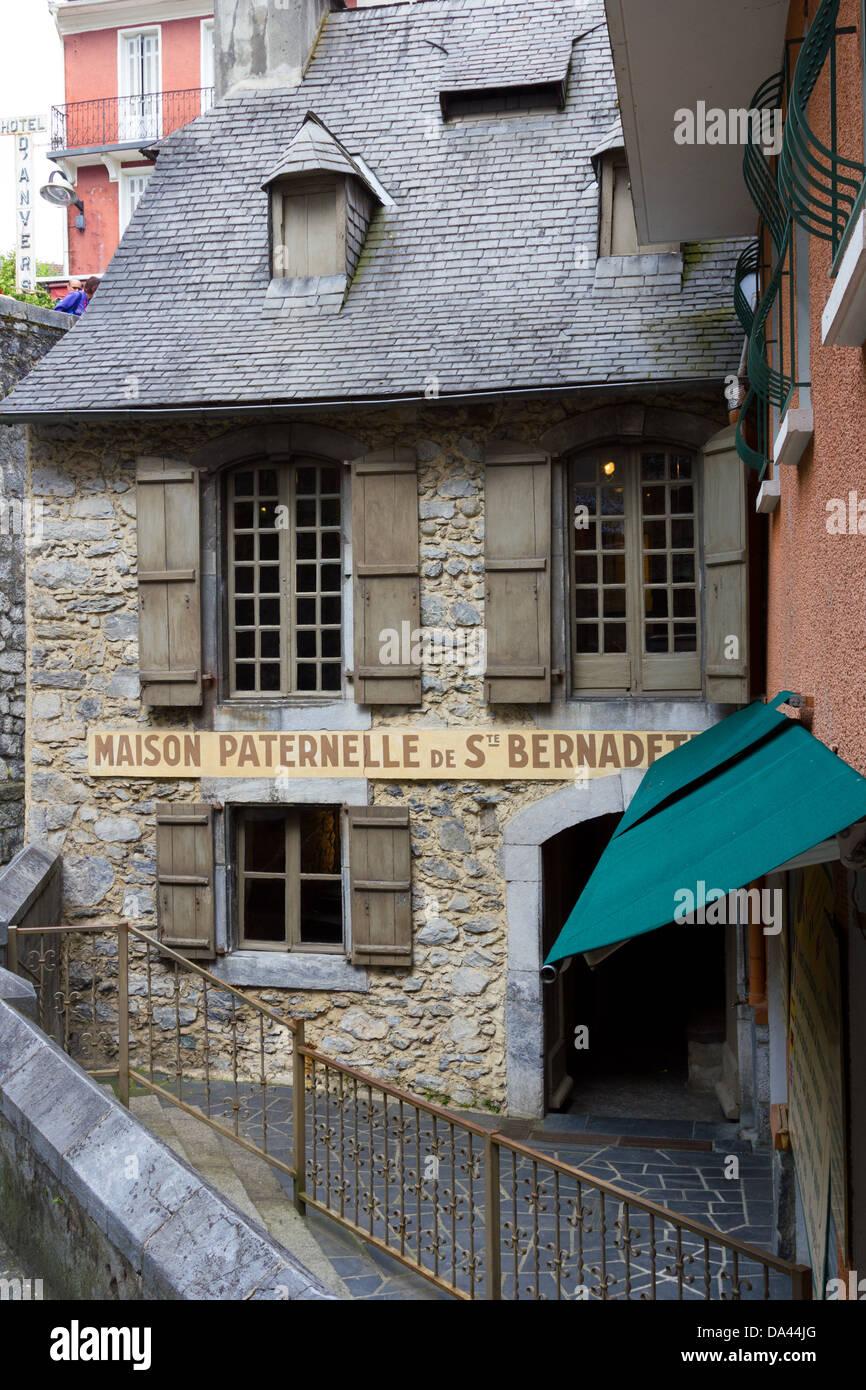 Maison Paternelle de St Bernadette, Lourdes - Stock Image