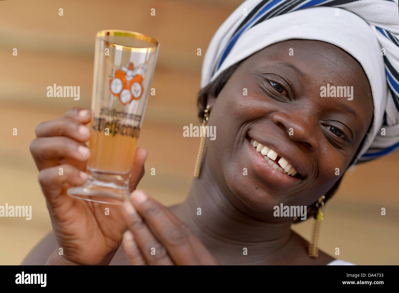Master brewer from Burkina Faso, Ine Kam, presents her millet beer at the brewery of Weissenohe Abbey in Weissenohe, - Stock Image