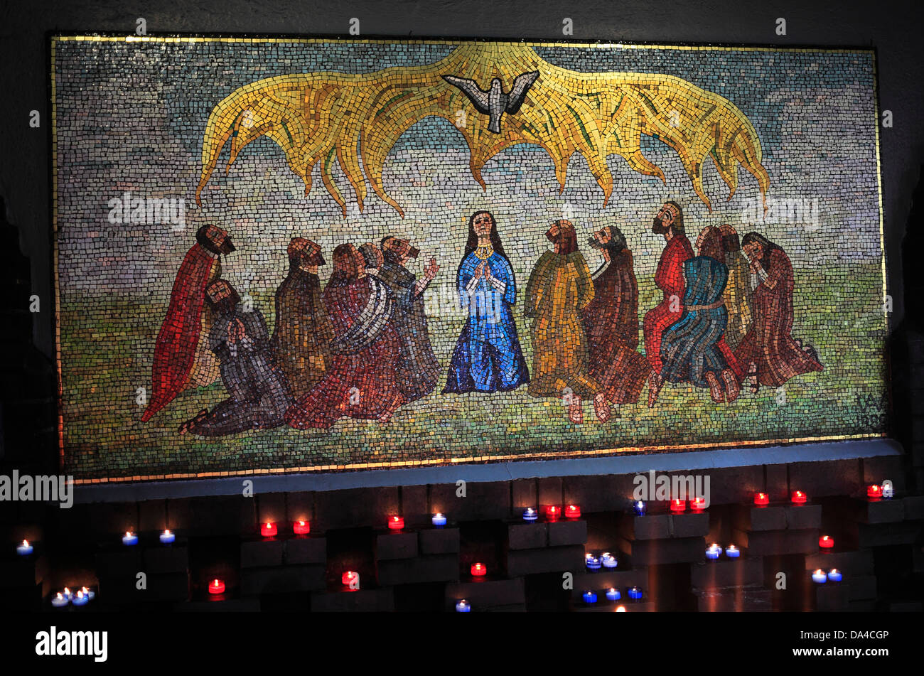 Mosaic in the Chapel of the Holy Spirit, Walsingham, by Jewish artist Anna Wyner showing the event of Pentecost. - Stock Image