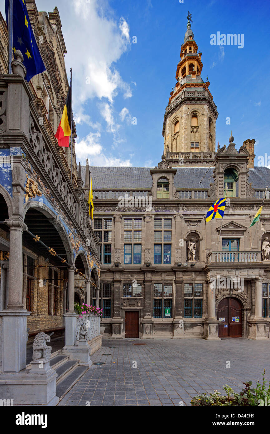 Belfry and Court of Justice / Landhuis at the Market Square at Veurne / Furnes, West Flanders, Belgium - Stock Image