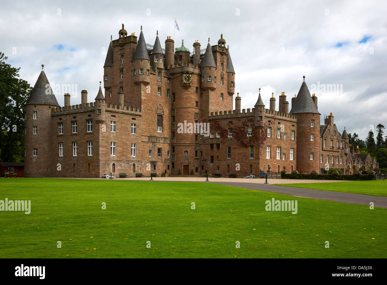 Europe Great Britain, Scotland, Fife area, Angus, the Glamis castle, childhood home of the Queen Elizabeth. - Stock Image
