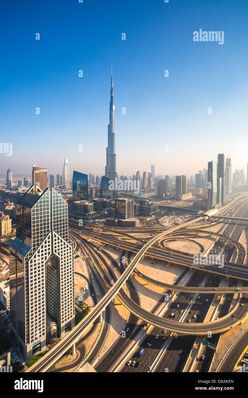 United Arab Emirates, UAE, Dubai, City, Sheikh Zayed, Avenue, building, Burj, Khalifa, architecture, bridge, bridges, - Stock Image