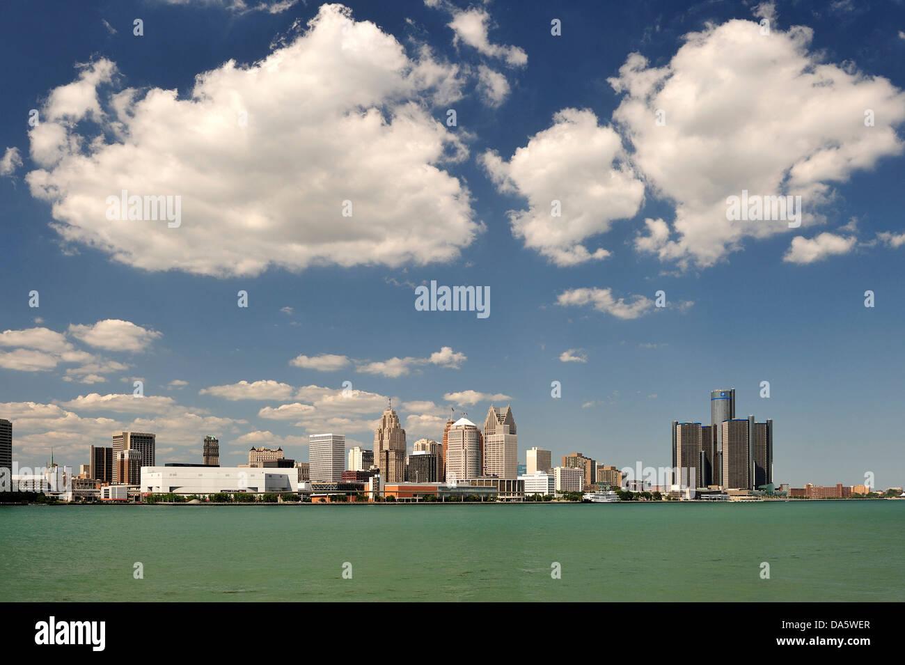 Clouds, Detroit, Detroit River, river, Financial District, General Motors, Great Lakes, International Riverfront, - Stock Image