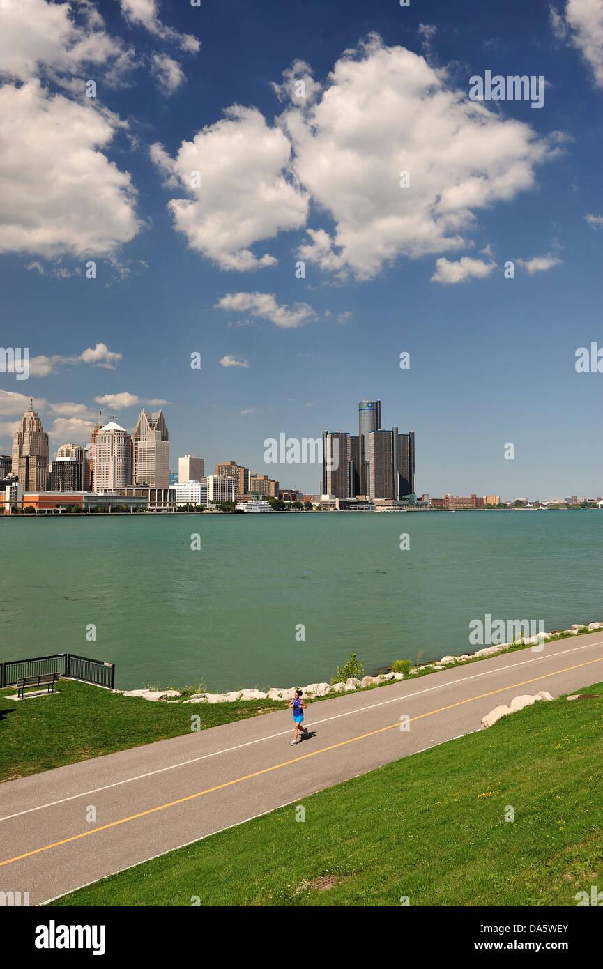 Canada, Clouds, Detroit River, river, Financial District, International Riverfront, Ontario, Renaissance Center, - Stock Image