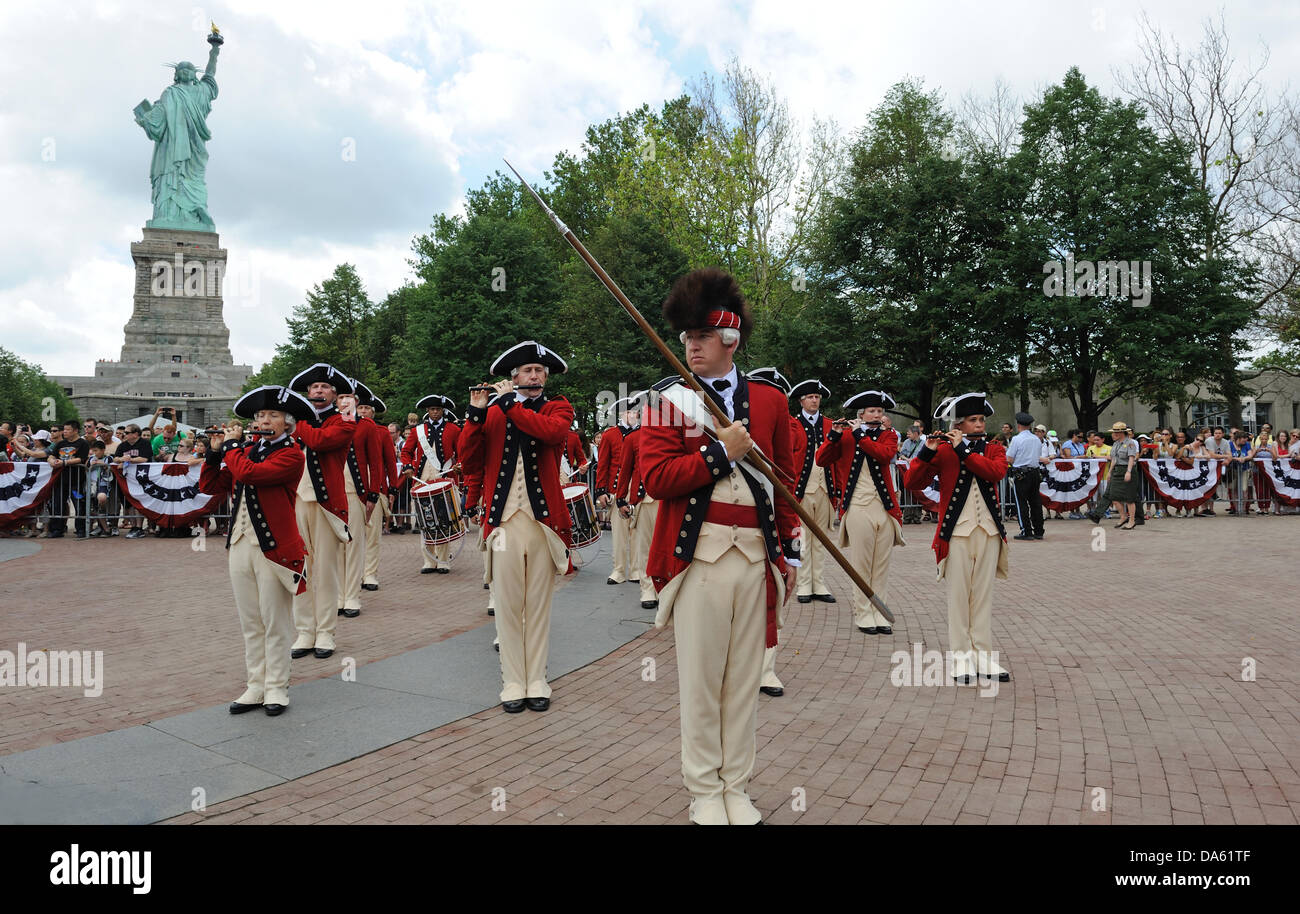 The United States Army's Old Guard Fife and Drum Corps played at the reopening of the Statue of Liberty on July - Stock Image