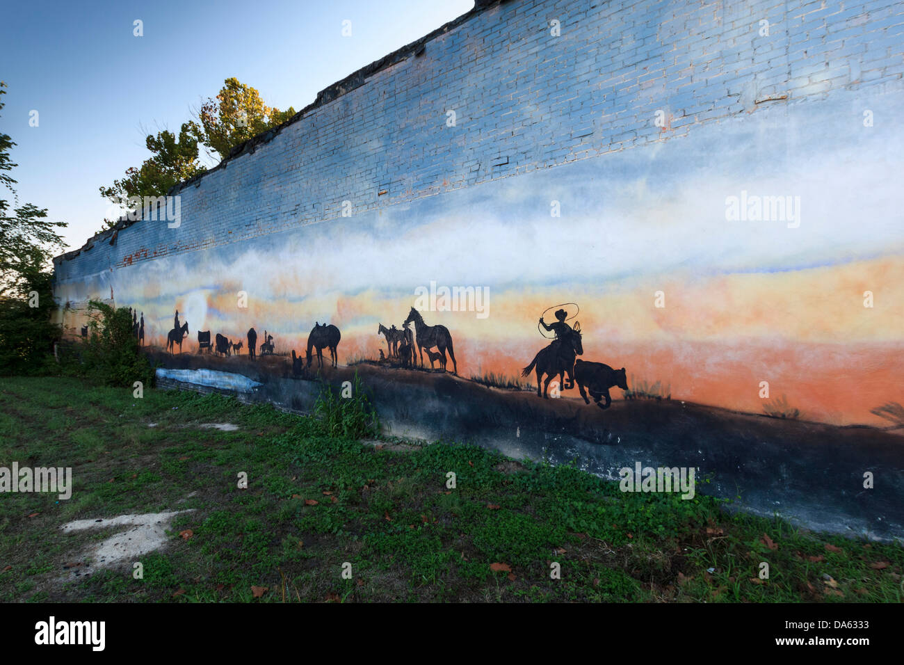 Bedias, cowboys, Kathy Harris, mural, Texas, USA, United States, America, western, riding - Stock Image